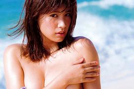 グラドル・久松郁実が写真集で手ブラショット!「乳房下のホクロがエロい」「ムラムラさせる天才!」