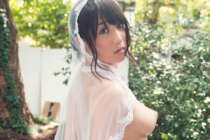美麗グラビア × 倉多まお 花嫁ヌード