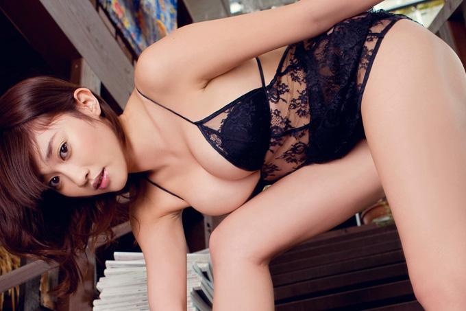 美麗グラビア × 原幹恵 透けて見える下着と極上のカラダ