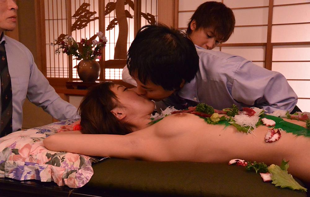 鈴羽みう 無修正 AV 画像 13