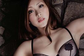 辰巳奈都子のグラビア写真集