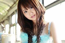 貧乳ちっぱい浜田翔子のセクシー水着画像