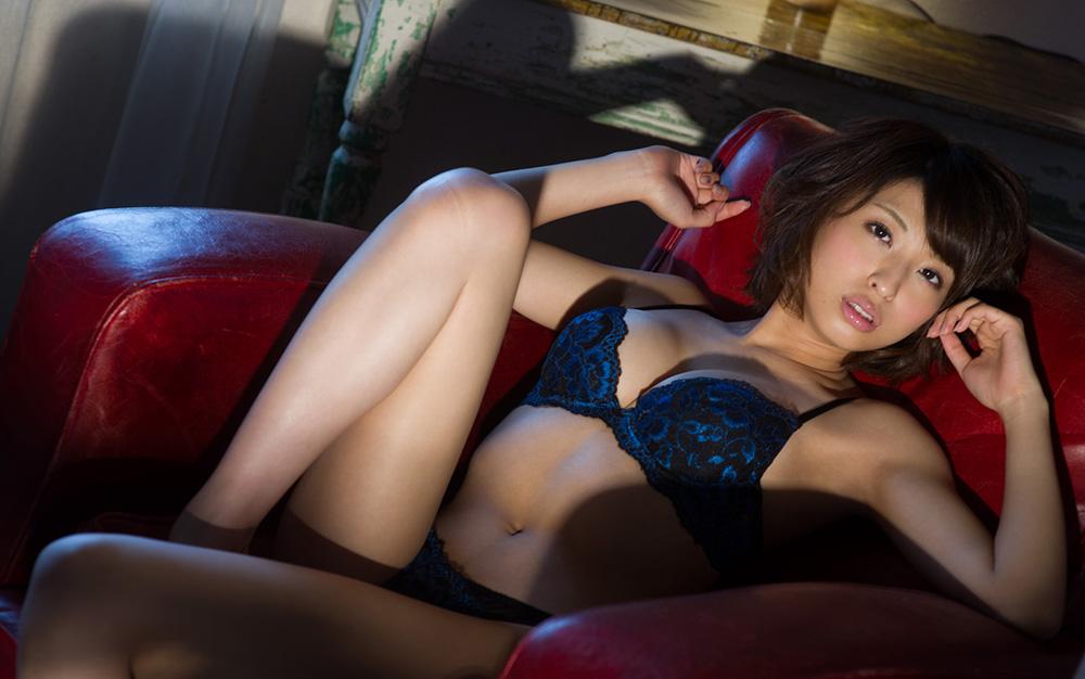秋山祥子 ぷっくり唇の綺麗でえっちなお姉さん