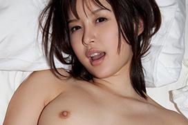 葵つかさ、美乳のアイドル美少女が濃密ガチSEX