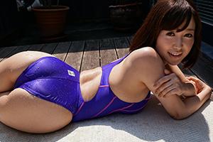 篠田ゆう 男を誘う美乳Eカップ&エロ尻♪濡れ透け競泳水着が激エロ!