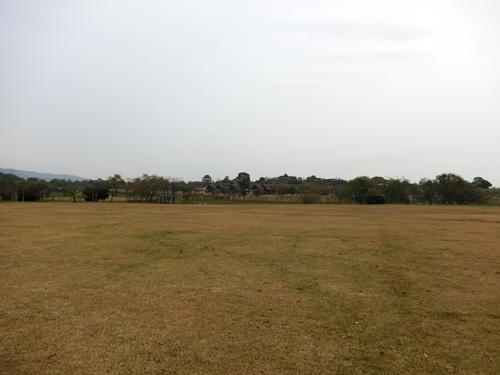 曇ってますが、微風の吉野ケ里歴史公園。