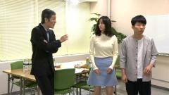 石橋杏奈ニット横乳画像7