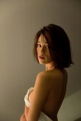 筧美和子ノーブラ腕ブラ画像2