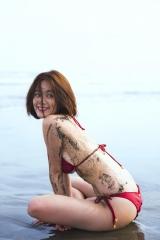 筧美和子ノーブラ腕ブラ画像5
