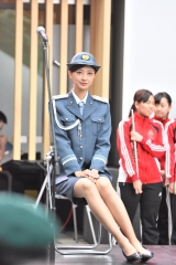 熊井友理奈パンチラ一日警察署長画像2