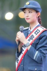 熊井友理奈パンチラ一日警察署長画像5
