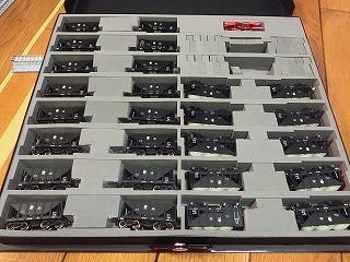CASCOのケースを改良した貨車(ヲキ・ヲキフ)の収納