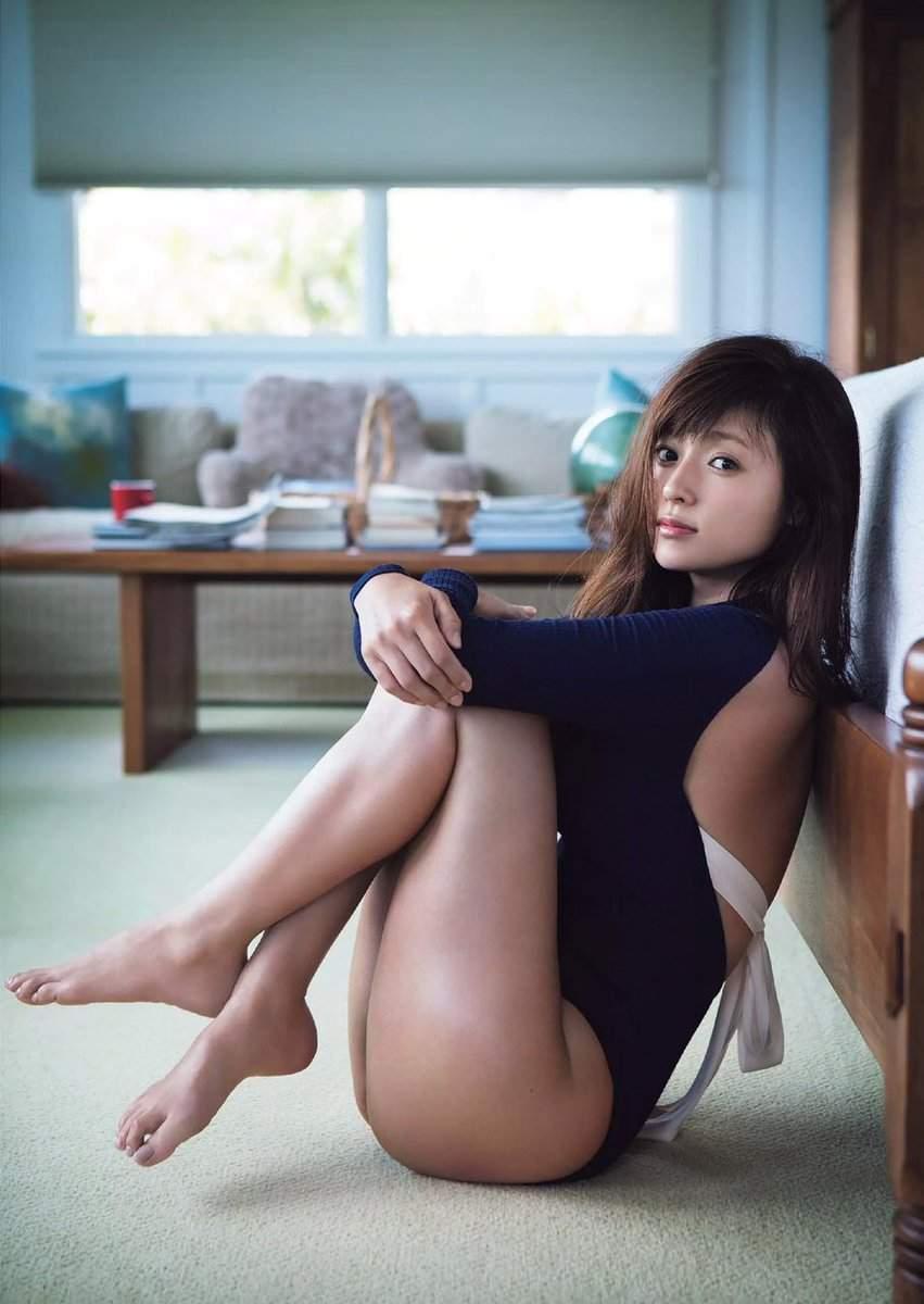 触りたい脚17