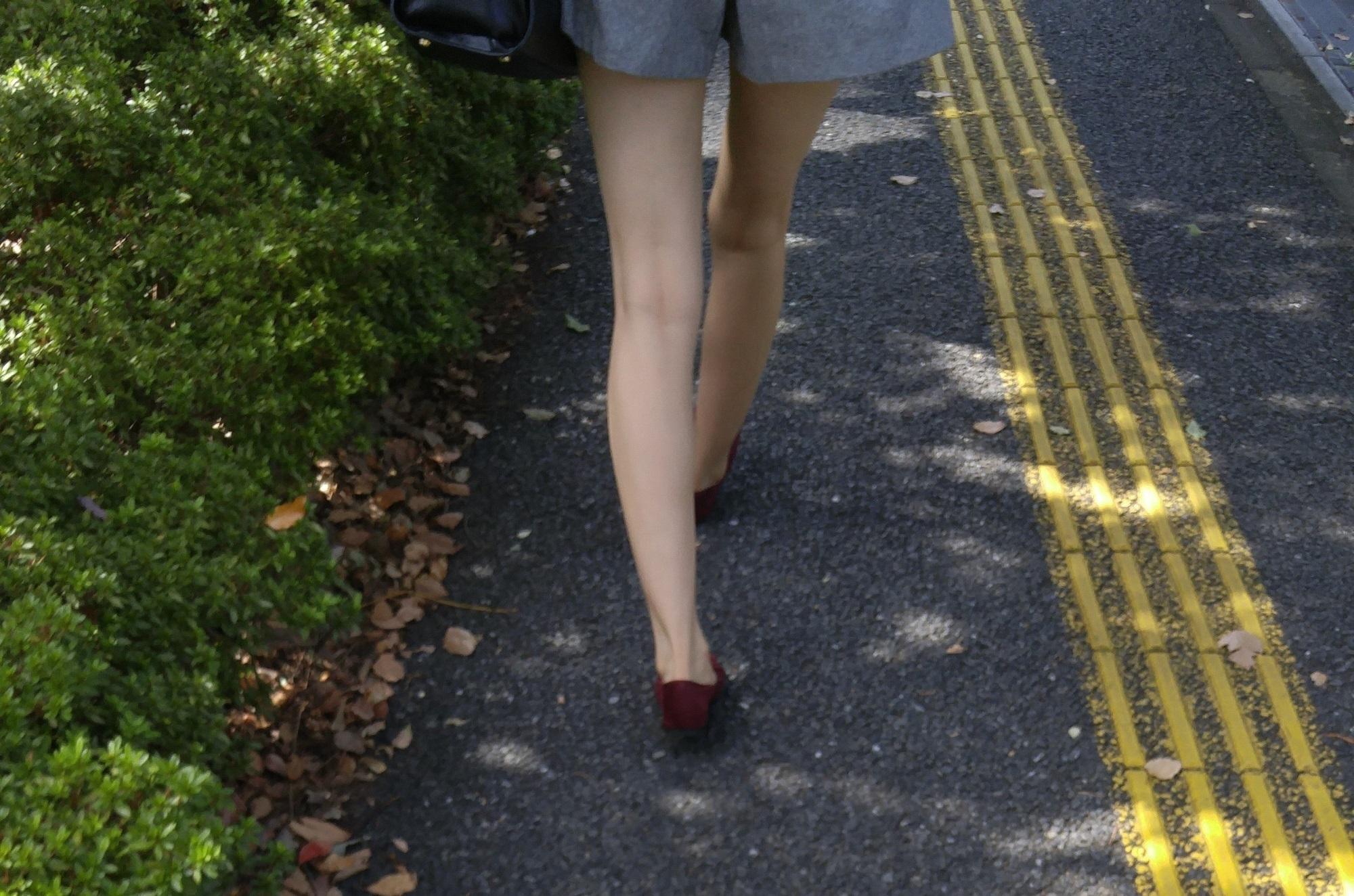 街中の脚6