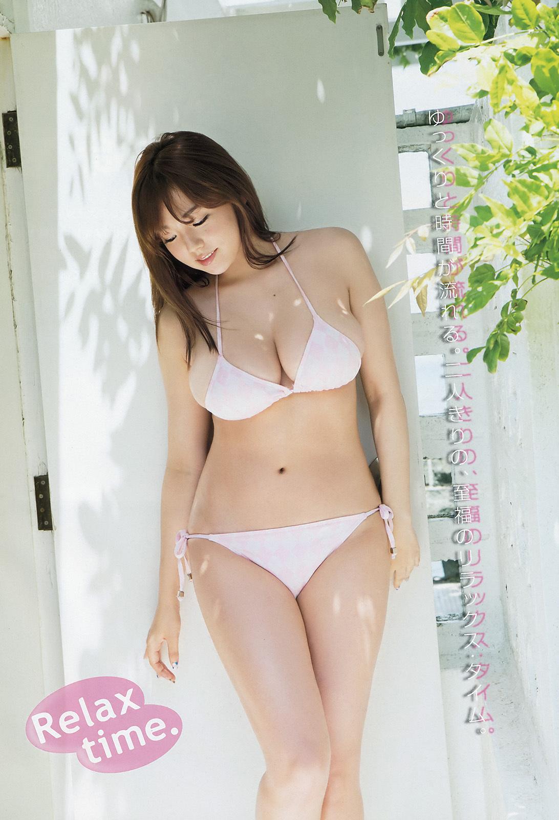 篠崎愛グラビア3