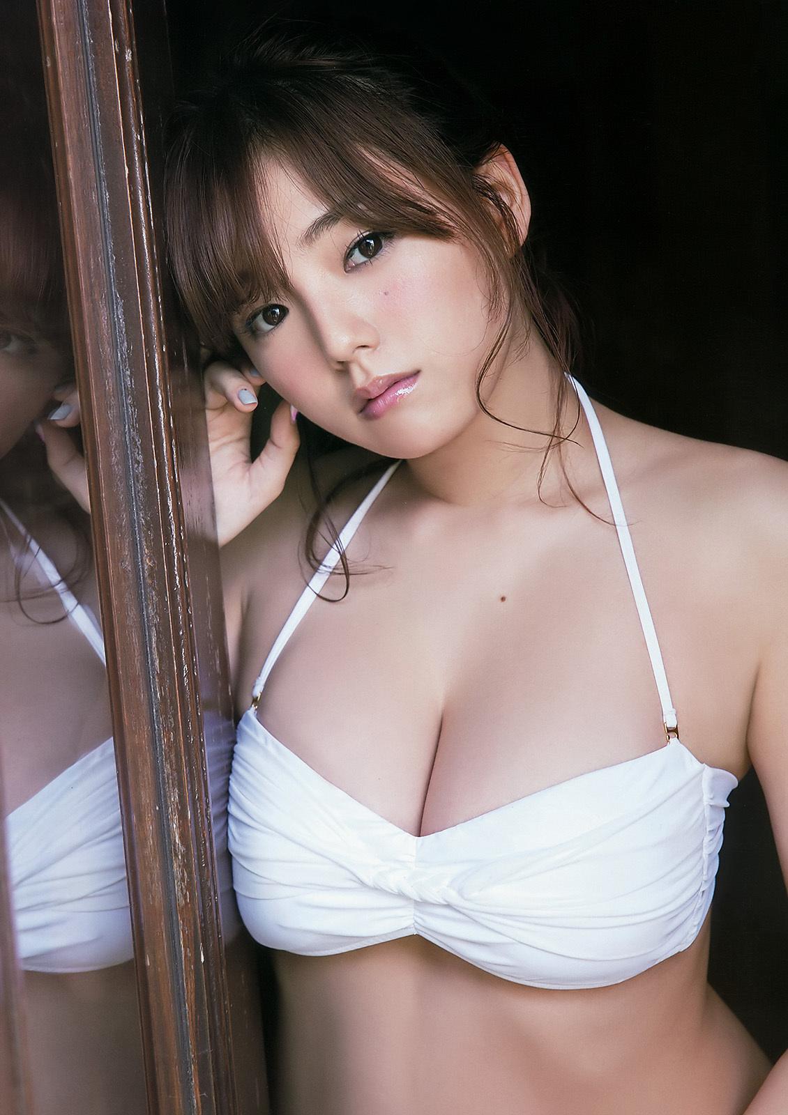 篠崎愛グラビア12