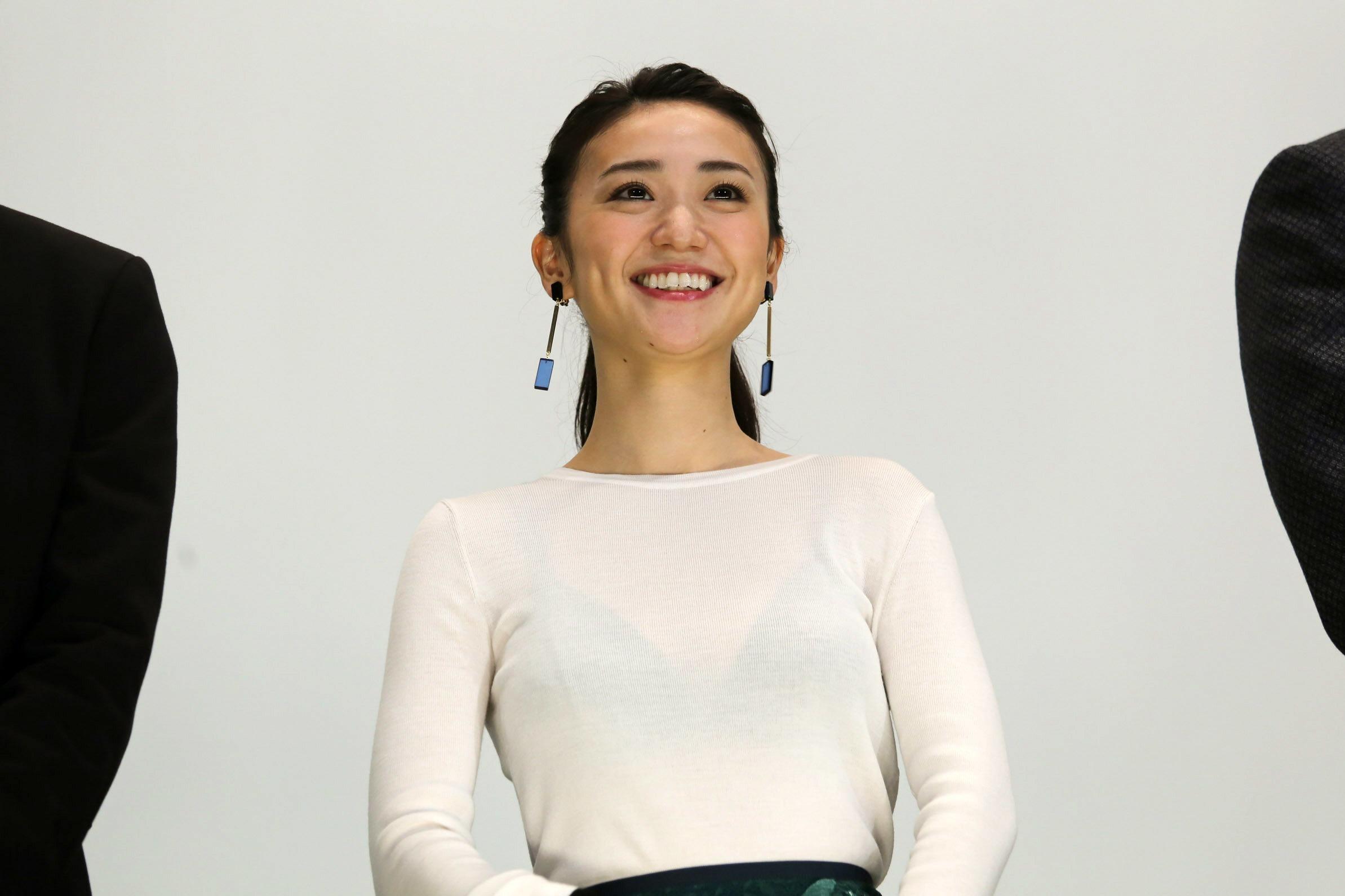 大島優子 ブラ透け2