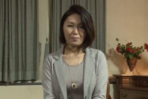 【五十路無料動画】下着姿がエロい五十路主婦のイメージビデオっぽいやつwww