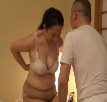 (ヒトヅマムービー)60代の性☆高齢ダンナ婦の熟練性行為がねっとりにえろ過ぎる(美美巨乳ヒトヅマ)