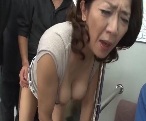 巨乳の熟女
