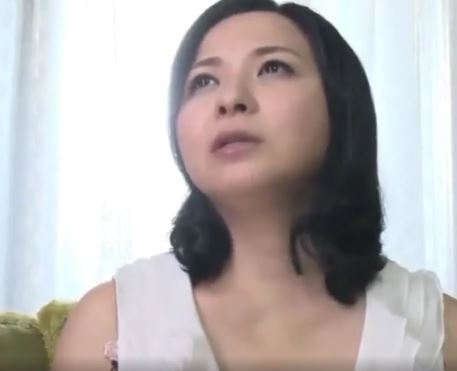 (ヒトヅマムービー)(50代の性欲)近所のガキたちのドウテイを食べまくるポッチャカワヒトヅマ