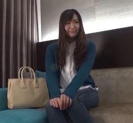 【人妻動画】(ヒトヅマキャッチ)カジュアル姿が似合う奥さんがマッサージ体験と騙されてハメドリされるwww