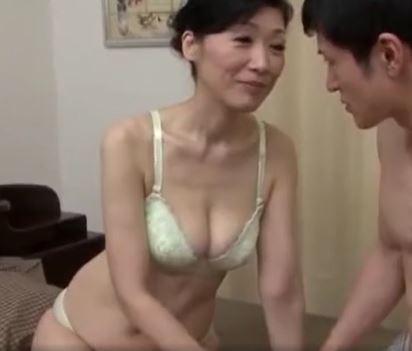 (ヒトヅマムービー)(50代の性欲)もう母さん我慢できない…ムス子のオチンチンを包み込む熟れた膣内内の味☆