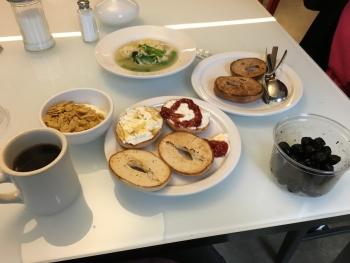 ワンタンメン朝食1