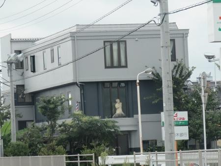 栃木県 謎の胸像