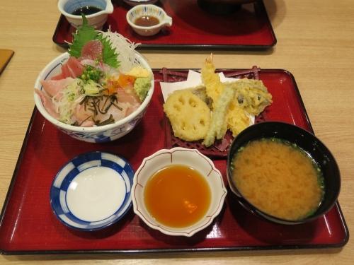 築地海鮮丼とてんぷら定食