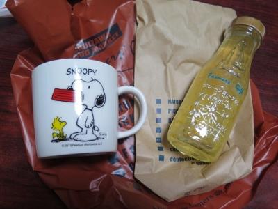 軽井沢のおみやげとスヌーピーのマグカップ