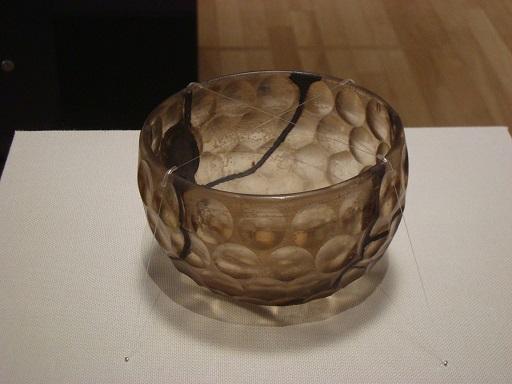 東京国立博物館平成館伝安閑陵古墳出土ガラス碗