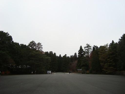 多摩御陵参道より