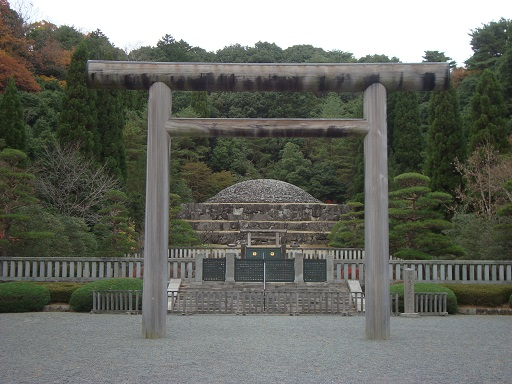 昭和天皇武蔵野陵