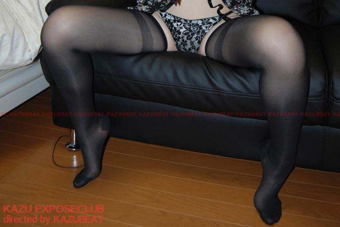 [素人デジタル写真集] セクシーガーターランジェリー姿でバイブオナニーハメ撮り絶頂顔射で喜ぶパイパン変態娘 SAKURA(20)