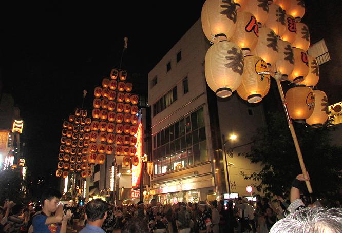 1509_14_浅草竿燈09