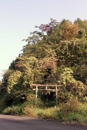 琴弾山神社麓の鳥居
