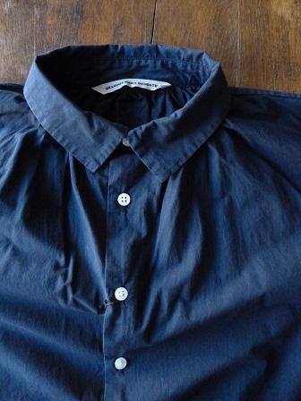【GRANDMA MAMA DAUGHTER】A Line Gather Wide Shirt 【グランマ ママ ドーター】Aラインギャザーワイドシャツ (レディース)151028g4.jpg