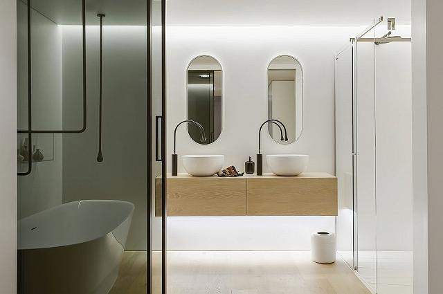 Walsh-Bay-home-bathroom-by-Minosa-Design.jpg