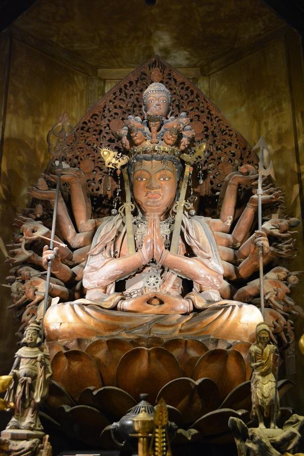 壺阪寺本尊千手観音坐像