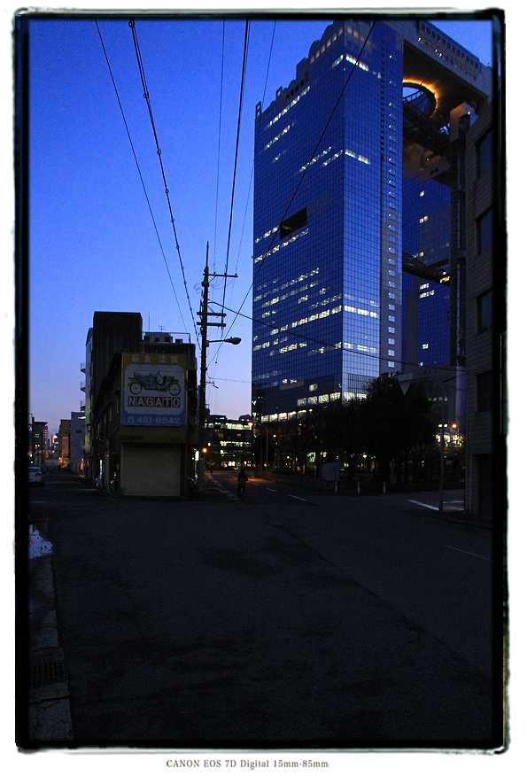 梅田スカイビル12031203osakaumeda001.jpg