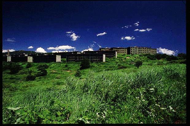 昔の松尾鉱山緑ヶ丘アパート9908matuokouzn.jpg