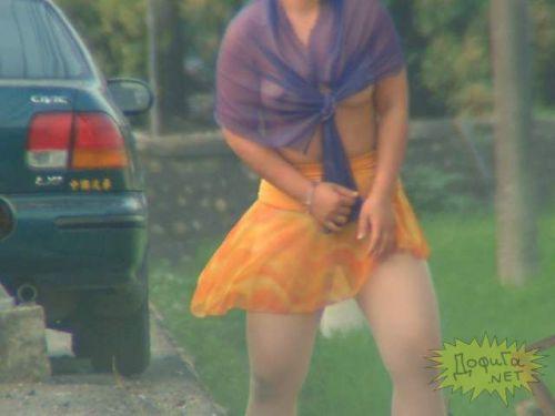 【画像】台湾ビンロウ売り女性の衣装が過激すぎてマンコ丸見えwww 31枚 No.13