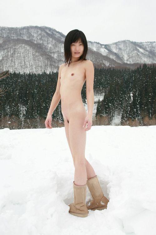 大自然の中で全裸になっちゃう露出狂美女達のヌードエロ画像 35枚 No.6