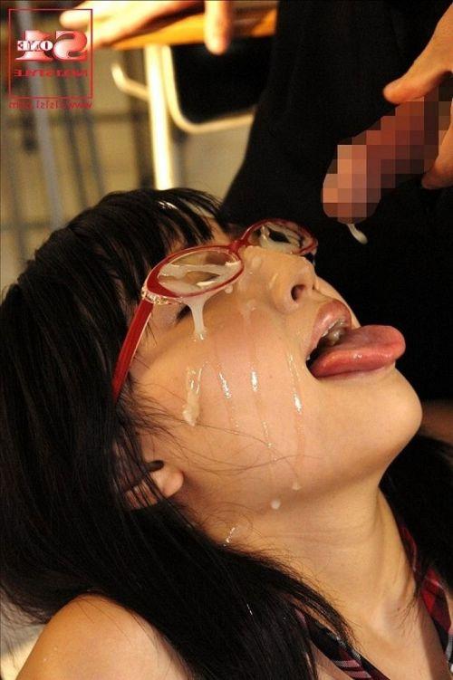 【画像】赤い眼鏡を掛けた知的お姉さんの眼鏡に顔射ぶっかけしたった! 32枚 No.3