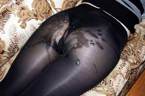 【画像】女性のパンツを履いたお尻にザーメンをぶっかける快感www 36枚 No.29