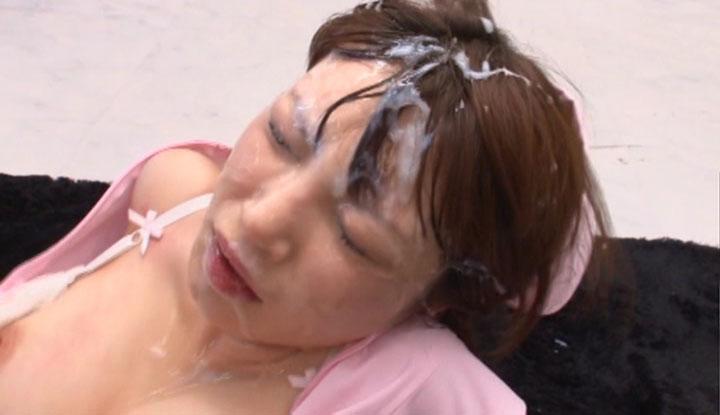 (ぶっかけ写真)髪に射精パックでタンパク質補給とか女子力高すぎwww 33枚
