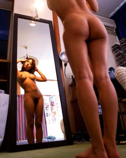 家の中では全裸で過ごす裸族な姉や妹を盗撮した画像がこちらwww 33枚 No.19