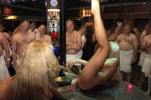 【画像】ドイツは合法売春!本番OKなサウナ風俗FKKがこちらですwww 49枚 No.9