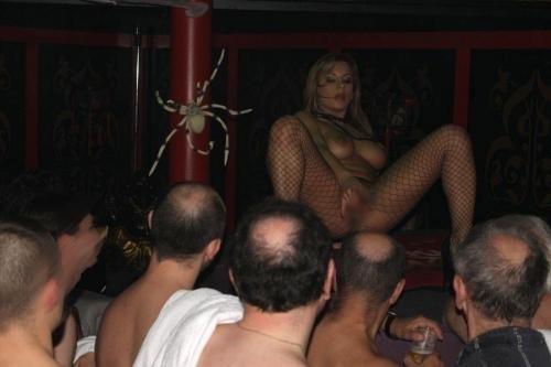 【画像】ドイツは合法売春!本番OKなサウナ風俗FKKがこちらですwww 49枚 No.19